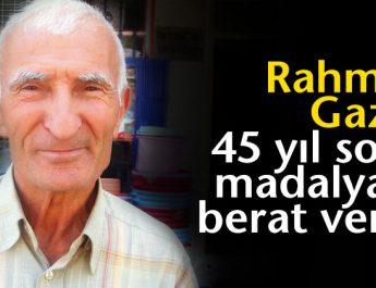 Rahmetli Gazi Özbek'e 45 yıl sonra madalya ve berat verildi